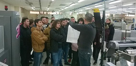 Joaquín truyol, alumnos preimpresión digital, artes gráficas, Salesianos Atocha, actividades semana culturall,barnizado 3D,  Truyol Digital