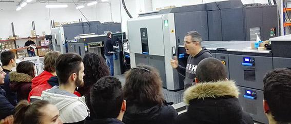 Joaquín truyol, alumnos preimpresión digital, artes gráficas, Salesianos Atocha, actividades semana técnica-cultural, HP Indigo,  Truyol Digital
