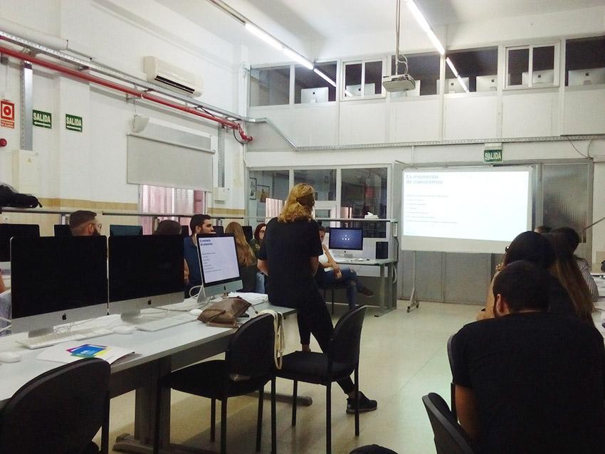 primer día de DBMaestro en Diseño y Dirección de arte promoción 2017-2018, Departamento de artes gráficas de Salesianos Atocha,